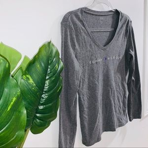 Tommy Hilfiger Tops - 🦋 4/$30 Tommy Hilfiger Gray Long Sleeve Top